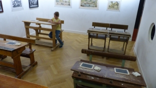 Enjoying an old-style schoolroom